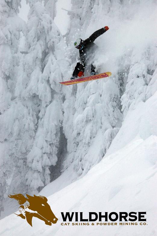 Ymir Backcountry Ski Lodge snow