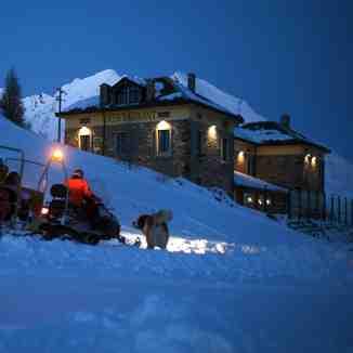 SNOWMOBILE SUNSET, La Thuile