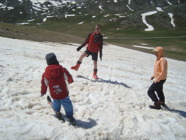 Skiing in may, Mavrovo-Zare Lazarevski