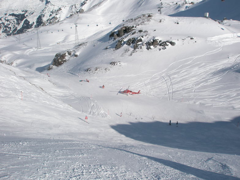 Helicopter rescue on Parsenn above Davos