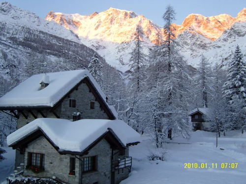 Macugnaga Ski Resort by: Carolyne Price
