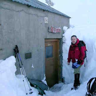 Picos De Europa Snow shelter
