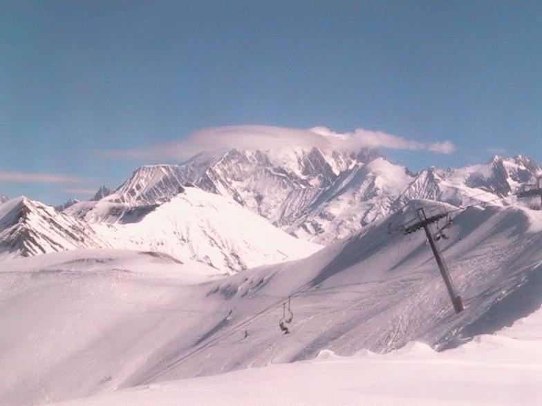 Praz Sur Arly snow