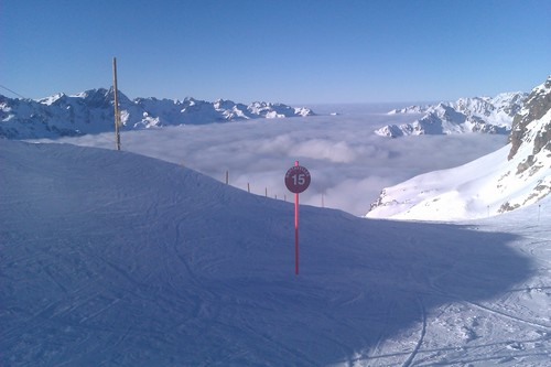 Vaujany Ski Resort by: noel coloe