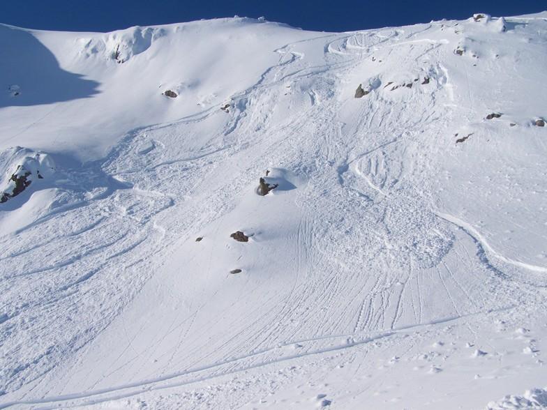 Flypaper, Glencoe Mountain Resort