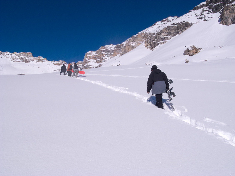 Deep snow offpiste Arolla