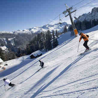Piste skiing in Gosau-Zwieselalm