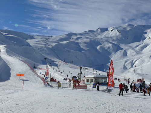 Cauterets Ski Resort by: Simon Stay