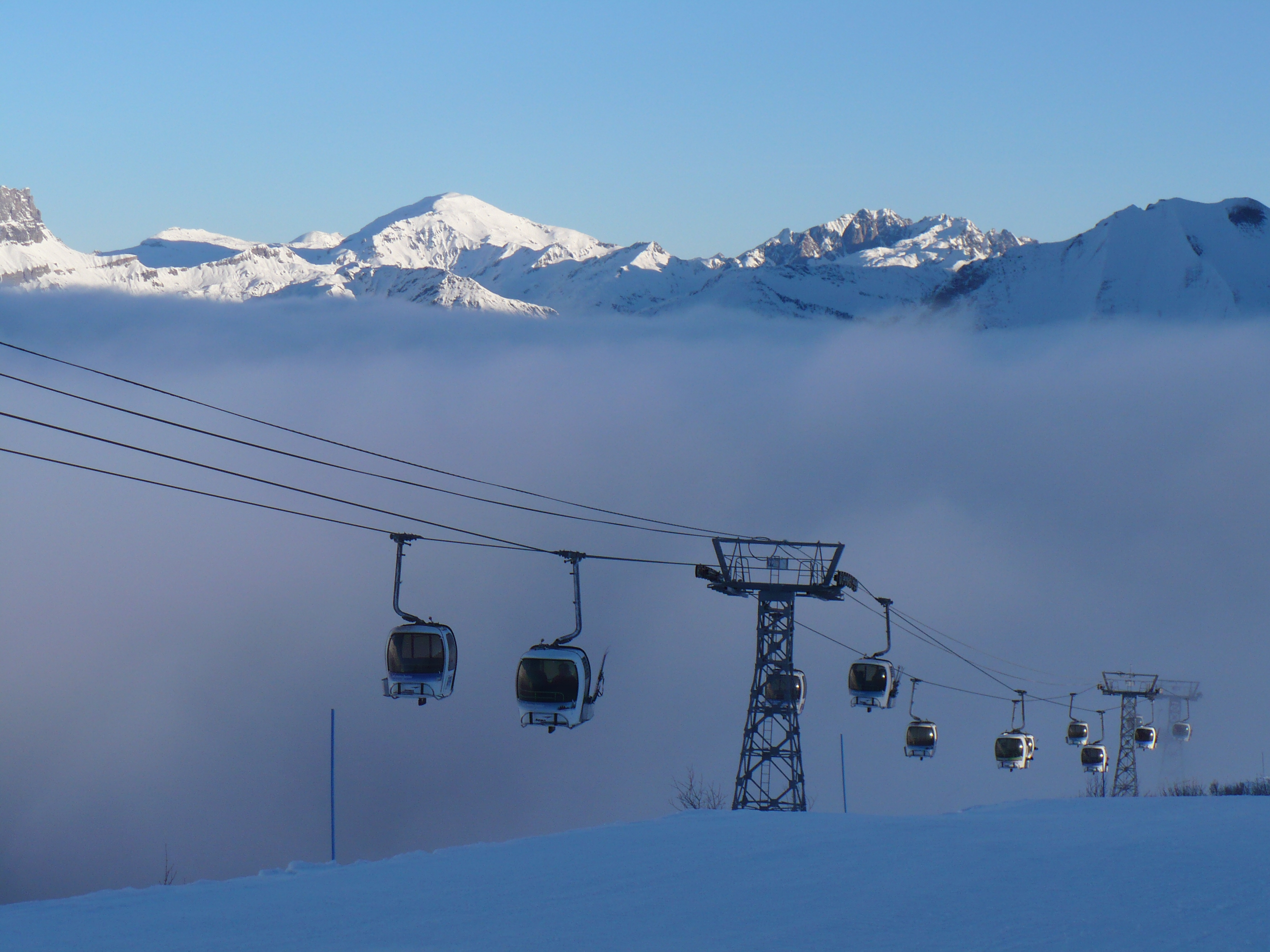 Up the mountain early!, Les Contamines