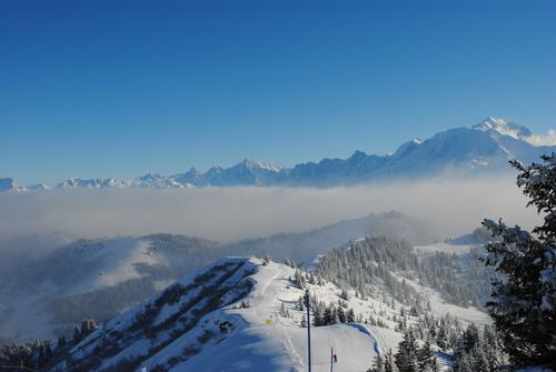 La Giettaz Ski Resort by: S. Vernon