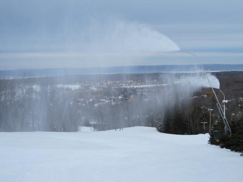 Blue Mountain artificial snowmaking