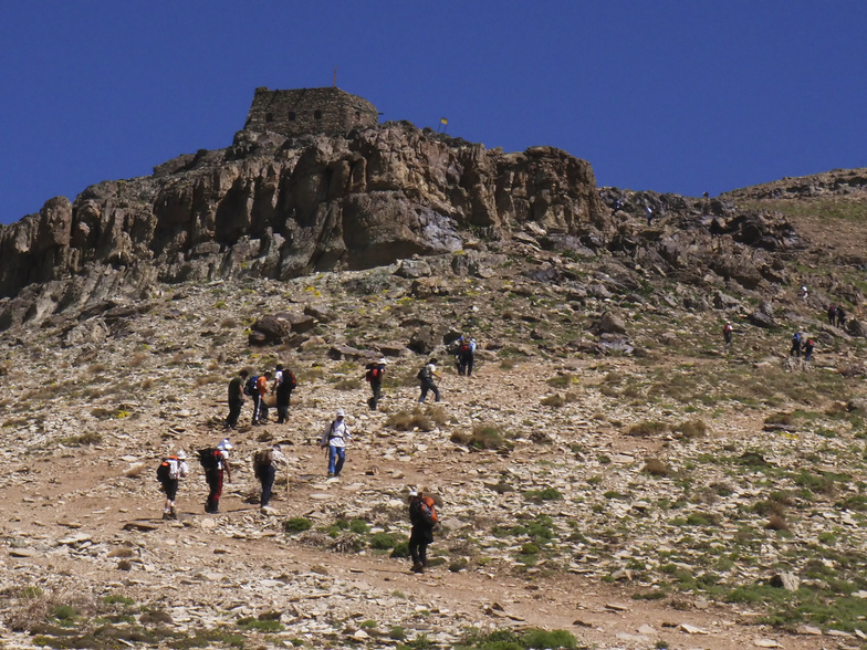 Amiri Shelter, Tochal