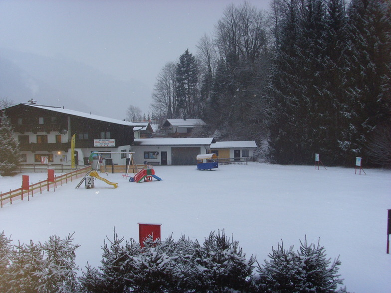 the childrens play area by the ski school total, Kirchdorf