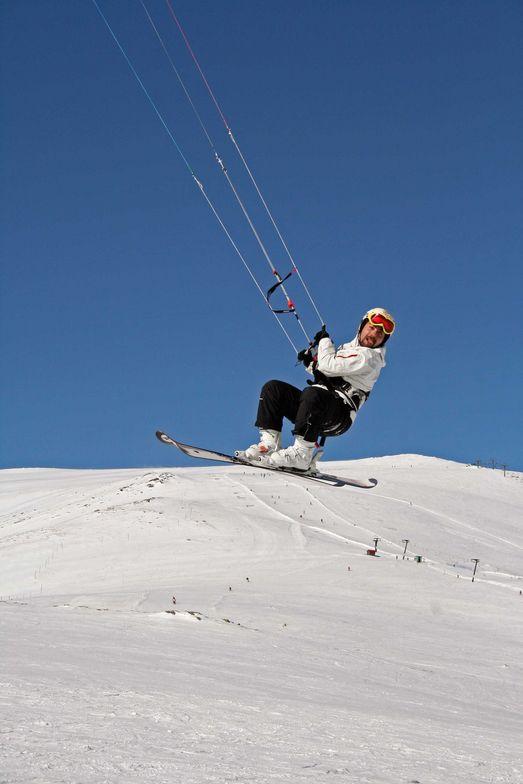 snow kite in mt voras kaimaktsalan greece