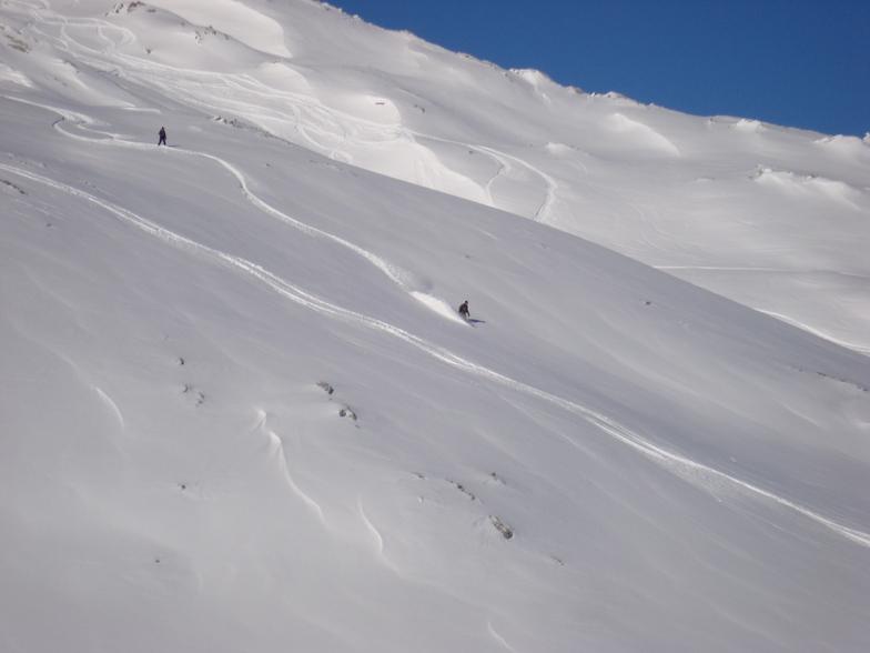 Brett rinding the eastern face of the Weissflugipfel, Davos