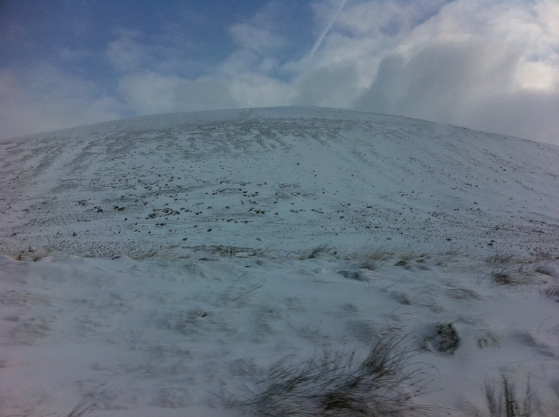 Tussocky conditions in the beacons, Pen-y-Fan