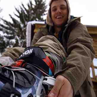 Xhema goes Freestyle skiing, Brezovica