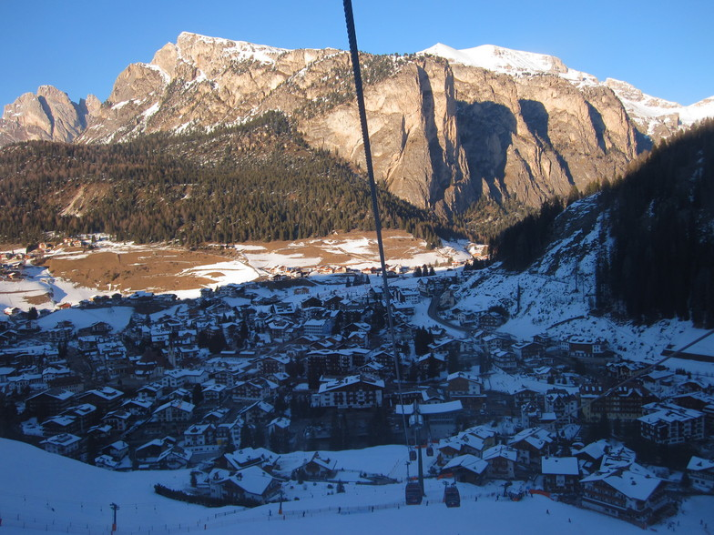 Downloading the Ciampinoi gondola., Val Gardena