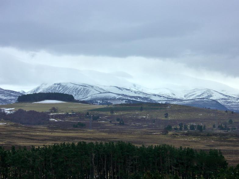 Thawing hills, Cairngorm