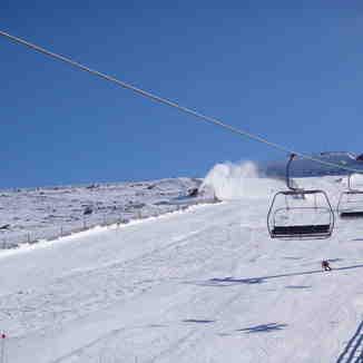 Aprovechando toda la nieve posible, Sierra de Béjar-La Covatilla