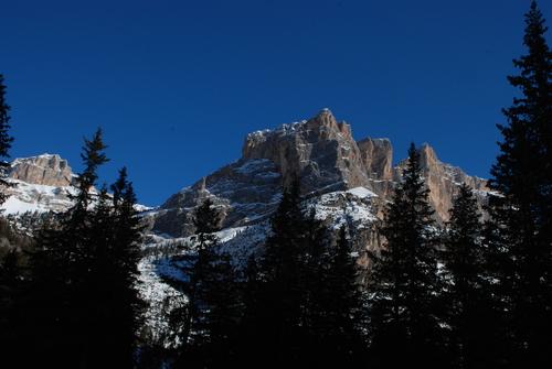 Alleghe Ski Resort by: steve varley