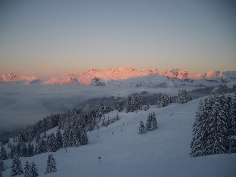 Sun set on the mountains, Samoens