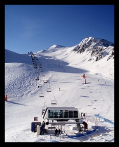 Empty slopes in January, Peyragudes photo