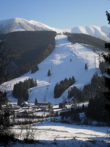Vratna Dolina Ski Resort by: jan