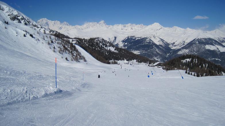 Mont Blanc View, Pila