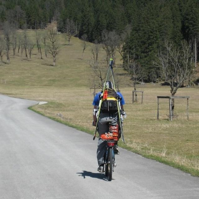 back from spring skiing, Mittenwald/Dammkar