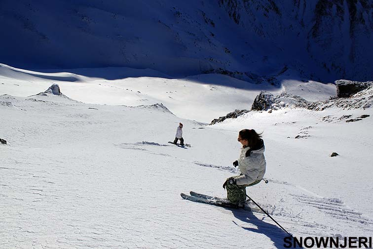Chixx on steep off piste, Brezovica