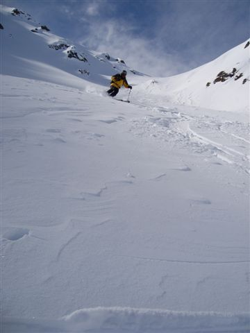 Tony skiing from the Sentishorn Gipfel, Davos