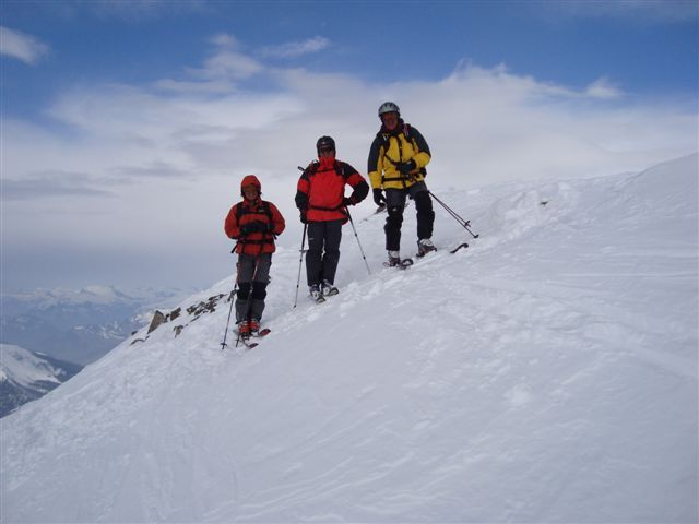 Sepp, Jochie and Tony on the Pischahorn summit, Davos