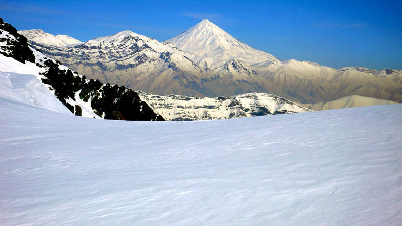MOUNTAIN DAMAVAND, Mount Damavand
