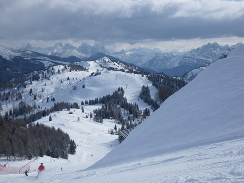 Alleghe Ski Resort by: GABRIEL A.