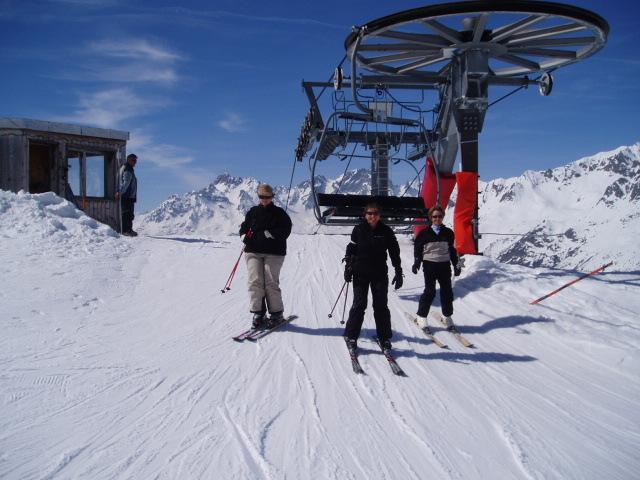 Exiting the Vallonnet Chair lift above Montfrais, Oz en Oisans
