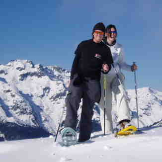 Snow-shoe Walking above Oz, Oz en Oisans