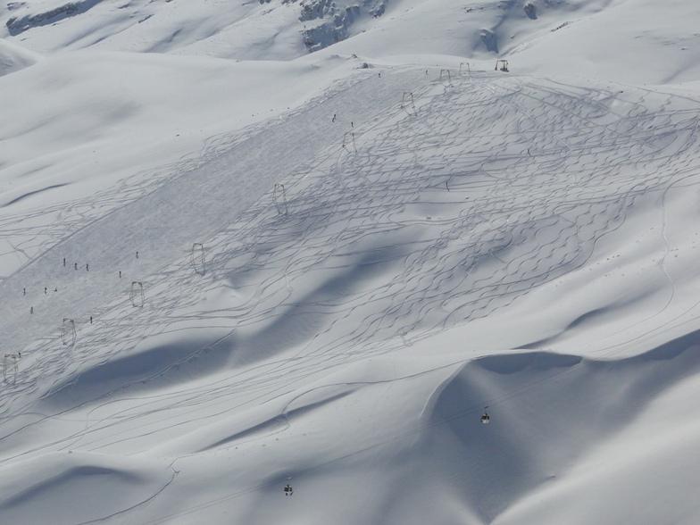 nice shot from Lower slopes !, Pooladkaf Ski Resort