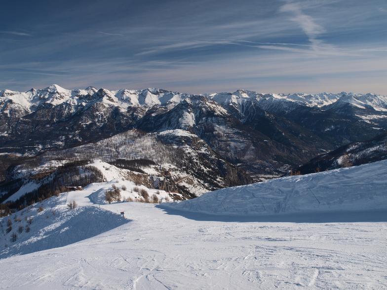 Puy St Vincent snow