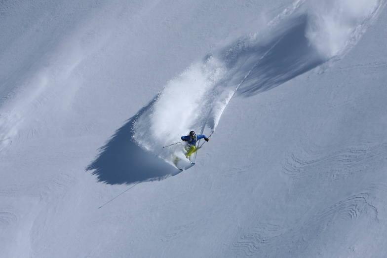 Rosa Khutor Alpine Resort snow