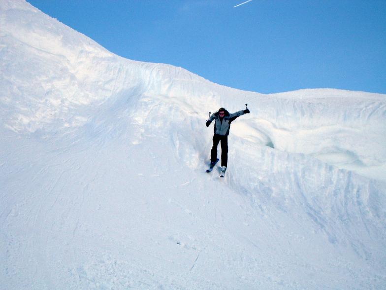 Robert jumping the Cornice, Samoens