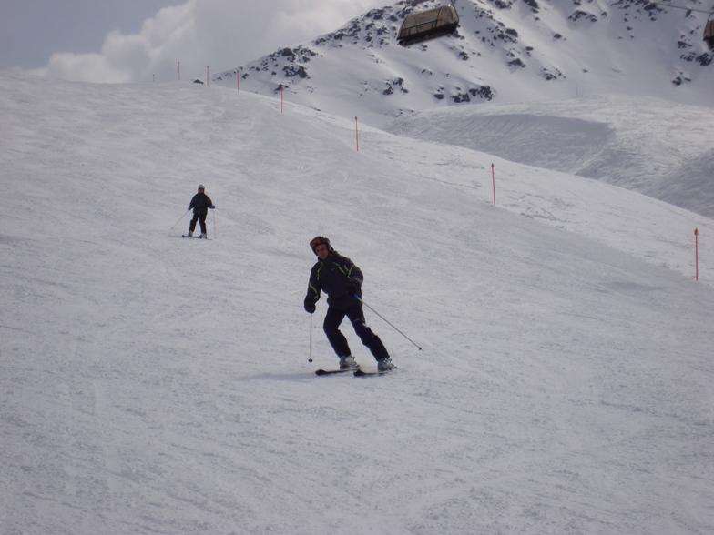Johnny Lautenschutz skiing Todalp, Davos