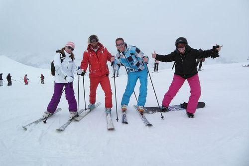La Toussuire (Les Sybelles) Ski Resort by: Bart