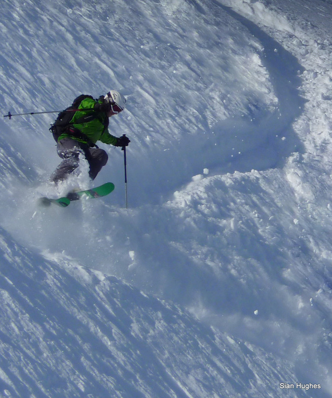 Off piste in the Combe Gers, Samoens