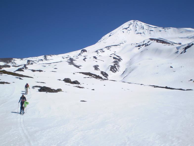 Esquí de travesía al Volcán Lanín, Chapelco