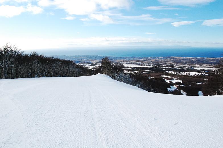 Esquiando con vista a la ciudad, Cerro Mirador