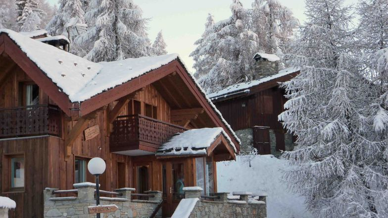 Snowy Les Coches