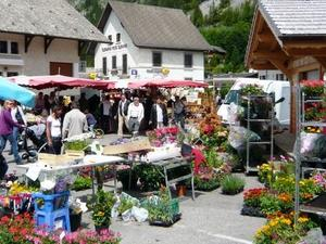Abondance Sunday Market, La Chapelle d'Abondance photo