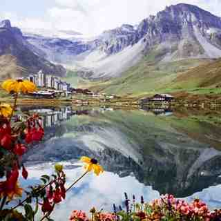 Summer reflections, Tignes