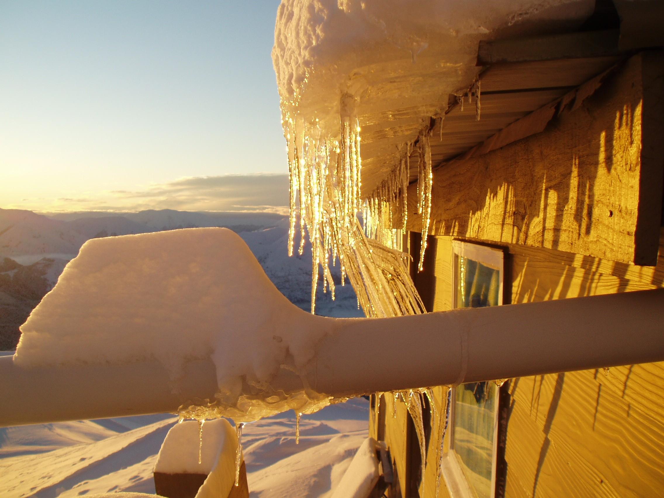 Sunrise at Snowline Lodge, Mount Cheeseman